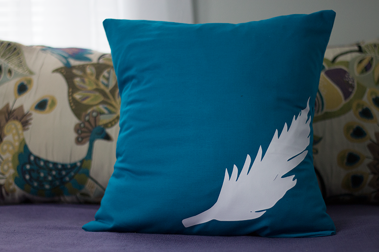 #DIY: Iron-On Pillow Covers